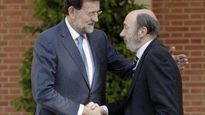 Prime Minister Mariano Rajoy (l) and Alfredo Pérez Rubalcaba.