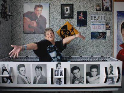 Raewynne Latemore, a fan of Elvis Presley, in the box she wants to be buried in.