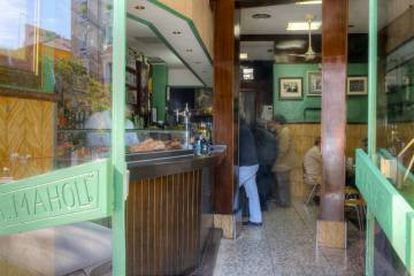 Bar El Cangrejero, in a photo from the publication Madrid in 20 bars by Armero Ediciones.