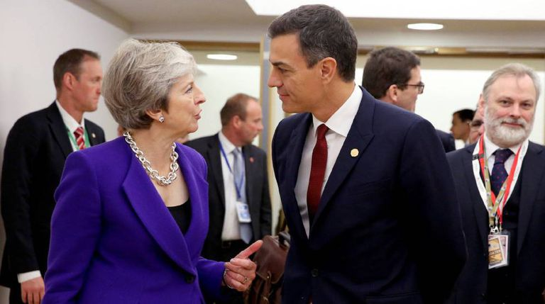 UK PM Theresa May and Spanish PM Pedro Sánchez in Brussels.