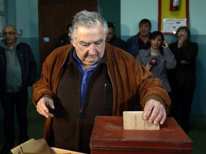 President Mujica voting in the primaries on Sunday.