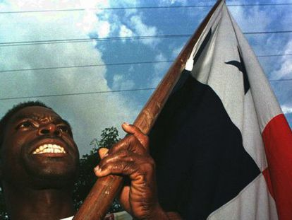 A protester in a 1998 demonstration in Panama City against the presence of US military bases and in remembrance of the 1964 clashes during which 22 students died.