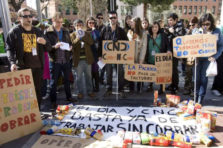 Employees of El Día de Castilla-La Mancha and its CNC television station protest against layoffs in March.
