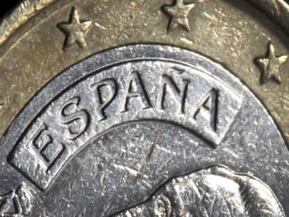 A Spanish one-euro coin on display in Düsseldorf.
