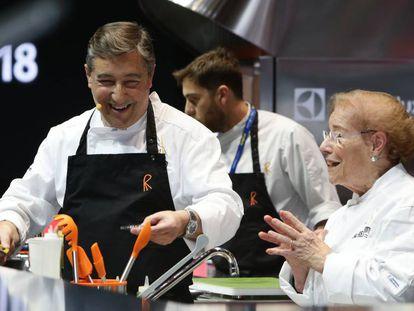 Joan Roca and his mother Montserrat Fontané at Madrid Fusión.