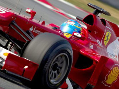 Fernando Alonso drives the new Ferrari in the final practice session at Montmeló.