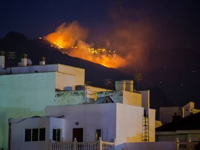 Fire near Agaete in Gran Canaria on Monday night.