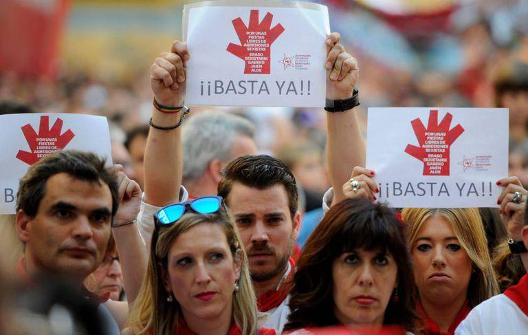 Demonstrators outside the Pamplona court.