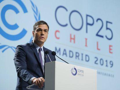 Spanish Prime Minister Pedro Sánchez speaks at COP25.