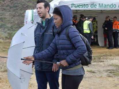 Ángel Cruz (L), father of the missing boy in Níjar, and his partner Ana Julia Quezada, during the second day of the search party.