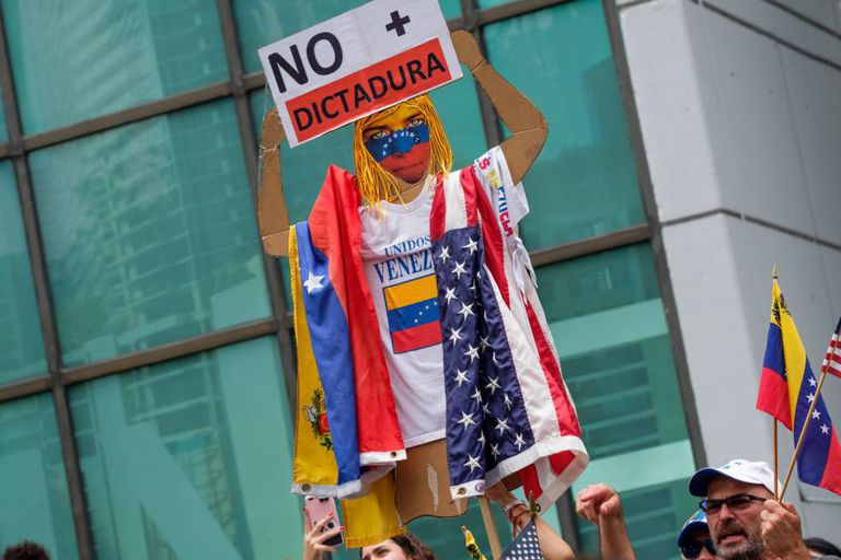 Protest against the Maduro government in Miami.