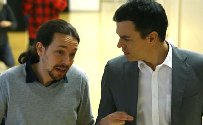 Pablo Iglesias and Pedro Sánchez together in Congress last month.