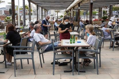 The city of Gandia in the Valencia region moved to Phase 1 on Monday, which allows sidewalk cafes to open at 50% capacity.