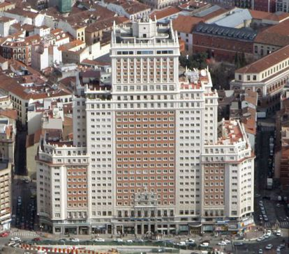 Edificio España once housed a hotel, office space and apartments.