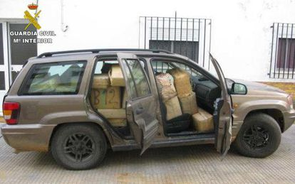 The vehicle, which was carrying 40 bundles of hash.