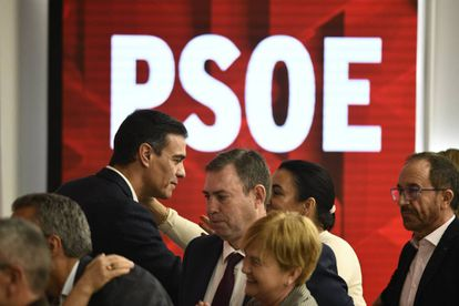 Caretaker PM Pedro Sánchez at an executive committee meeting on Monday.