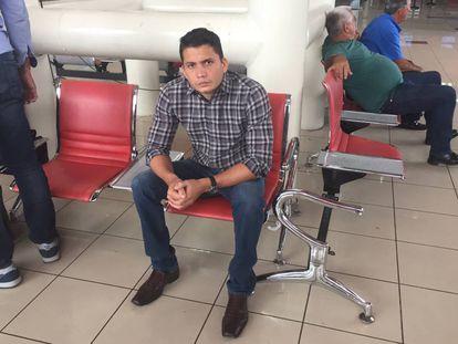 Eliécer Avila last week at Havana airport.