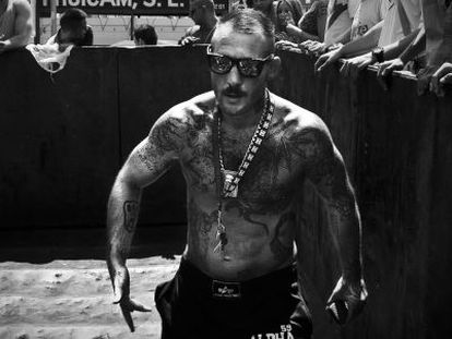 Scrap metal merchant Javier García Roche (above) organizes his own fight club on the outskirts of Barcelona.