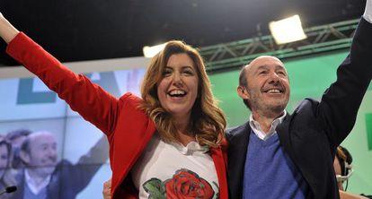 Susana Díaz and Alfredo Pérez Rubalcaba, in Granada on Sunday.