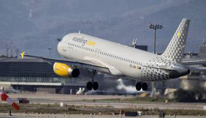 A Vueliing flight taking off from Barcelona airport.