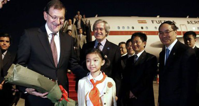Mariano Rajoy arrives in China.