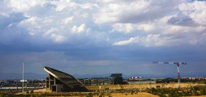 Work on the Peineta Stadium, which forms part of Madrid's bid, has stalled.