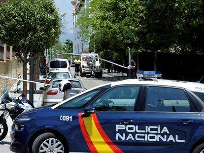 Police cordon off an area of Marbella in the wake of David Ávila's murder in May 2018.