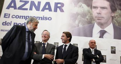 Former Prime Minister José María Aznar (second from right) at his book launch last week.