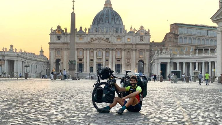 Nil Cabutí in Saint Peter's Square in the Vatican during his European journey.