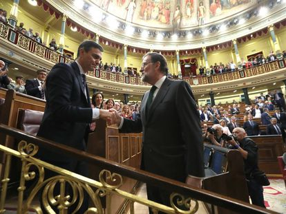The handshake in Congress this morning between Sánchez and Rajoy