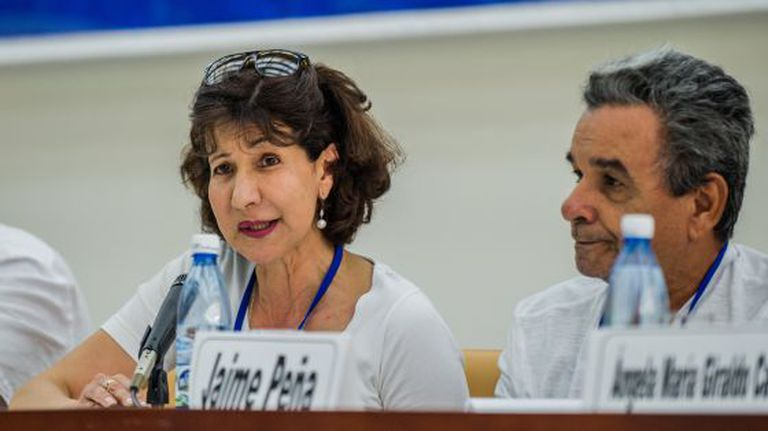 Constanza Turbay (left) participated in peace talks with the FARC guerrilla group.