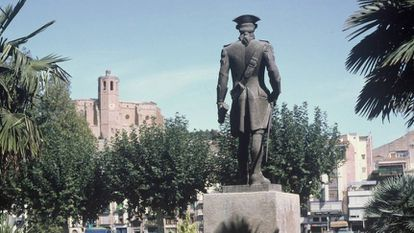 Statue of Gaspar de Portolá in Balaguer, in Catalonia's Lleida province.