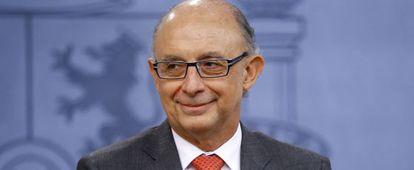 Finance Minister Cristóbal Montoro has announced tax relief for Spaniards.