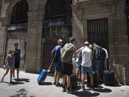 Tourists at a holiday apartment in Barcelona's Ciutat Vella.