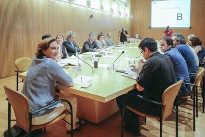 Barcelona Mayor Ada Colau (left) presides her first executive meeting on Wednesday.