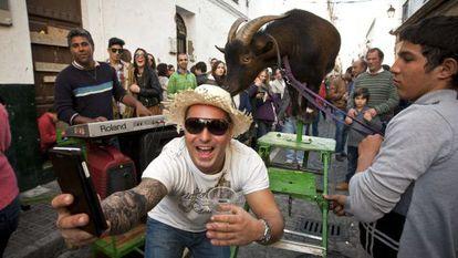 Cádiz residents and visitors at the city's carnival.