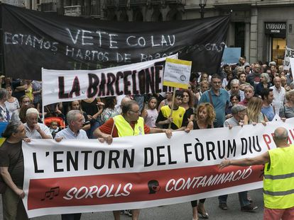 Barcelona residents marching against Mayor Ada Colau.