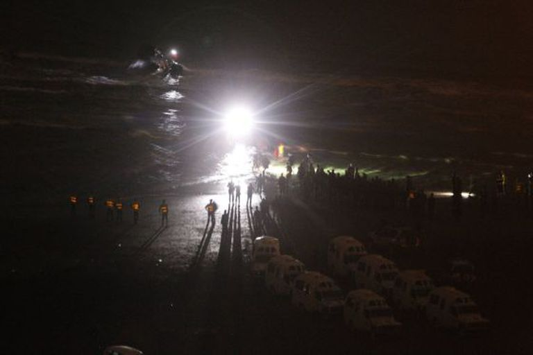 The immigrants arrive on the Moroccan shore.