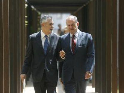 José Antonio Griñán (l) and Manuel Chaves in 2009.