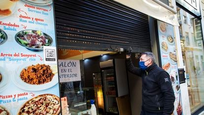 A bar in Valencia shuts down after regional authorities ordered food and drink establishments to close for 14 days.