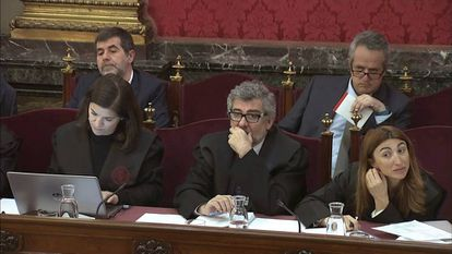 Joaquim Forn (top right) and Jordi Sànchez (top lef) at the Supreme Court.