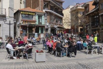 A sidewalk café in Madrid on April 1.