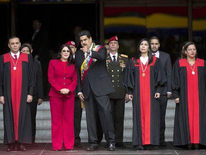 Nicolás Maduro with members of the Venezuela Supreme Court.