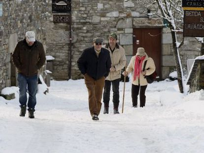 The snow-covered streets of O Cebreiro, in Galicia, on Tuesday.