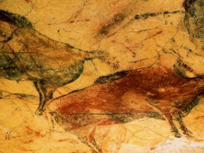 Bison on the Polychrome Ceiling of Altamira cave.