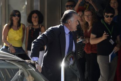 Former PP (Popular Party) treasurer Luis Bárcenas arrives at the High Court in Madrid to be questioned about the alleged existence of a second bank account in Switzerland on June 27.