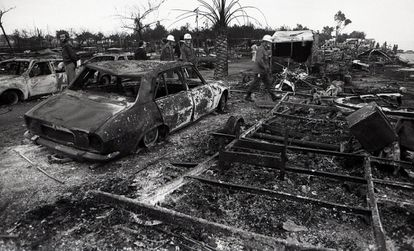 More explosions followed. Butane cylinders, car fuel tanks and other flammable elements that were in the campsite turned the area into a scene from hell.