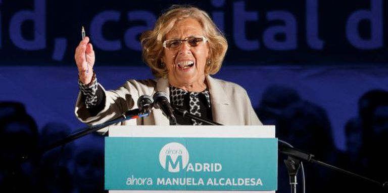 Ahora Madrid candidate Manuel Carmena thanks her supporters on Sunday night.