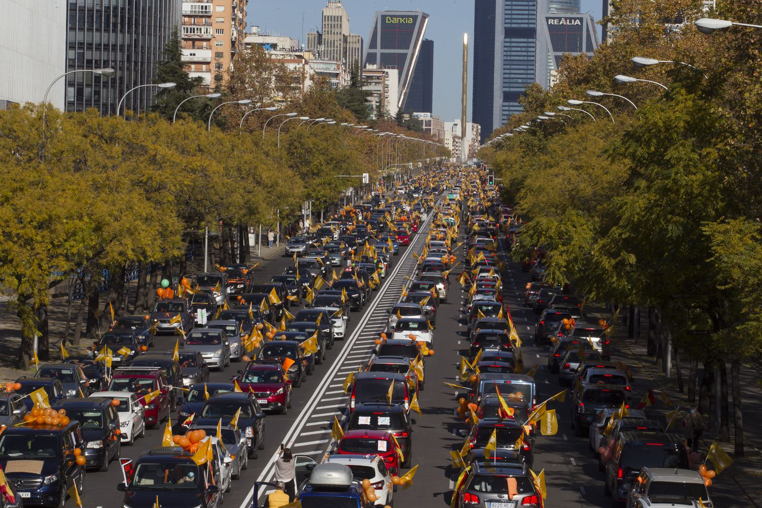 Thousands drive through Spanish streets to protest new education reform