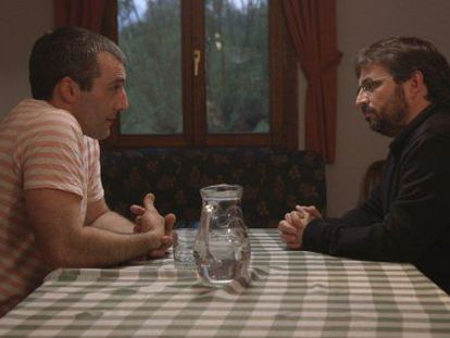 Iñaki Rekarte (left) and Jordi Évole during the controversial interview on 'Salvados'.